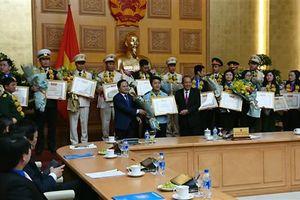 Công chức Hải quan TPHCM nhận giải thưởng 'Cán bộ, công chức, viên chức trẻ giỏi' toàn quốc