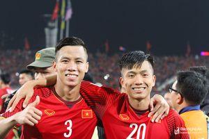 AFF Cup 2018: Quế Ngọc Hải, Phan Văn Đức và chất 'Nghệ' bên đỉnh vinh quang