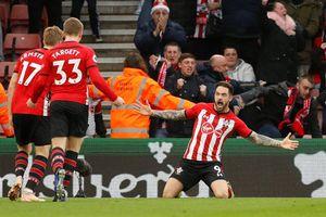 Mkhitaryan lập cú đúp, Arsenal vẫn thất bại trước Southampton