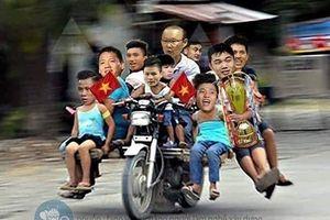 Cười 'vỡ bụng' với loạt ảnh hài sau khi Việt Nam vô địch