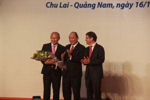 Nhận thưởng 100.000 USD từ THACO, thầy Park tặng lại cho bóng đá Việt