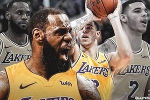 LeBron James và Lonzo Ball đã ghi tên mình vào lịch sử của Lakers sau chiến thắng áp đảo Hornets