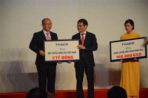 HLV Park Hang Seo dành tiền thưởng làm từ thiện và phát triển bóng đá Việt Nam