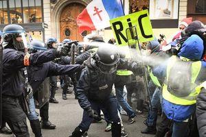 Biểu tình 'Áo vàng' ở Pháp kéo dài sang tuần thứ 5: 8 người thiệt mạng