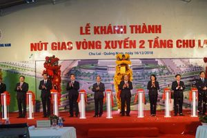 Thủ tướng cắt băng khánh thành nút giao vòng xuyến 2 tầng tại Chu Lai
