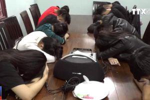 9 nam 4 nữ thuê chung cư mở 'tiệc ma túy' sau khi đi 'bão' mừng tuyển Việt Nam vô địch
