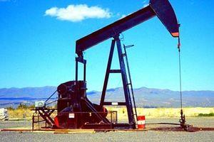 Giá dầu thô nhích nhẹ phiên đầu tuần