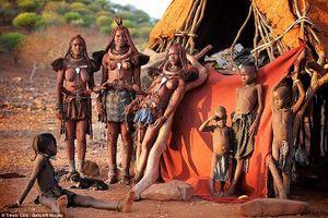 Cuộc sống hoang sơ của tộc người xinh đẹp bậc nhất 'Lục địa đen'