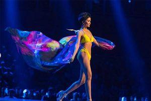 H'Hen Niê thi bikini cùng Top 10 chung kết Hoa hậu Hoàn vũ