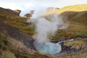 Ghé thăm 'thung lũng hơi nước' huyền bí ở Iceland