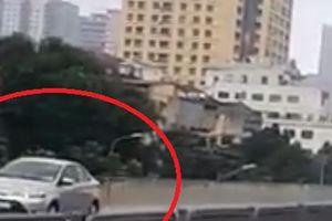 Hà Nội: Cái kết đắng cho tài xế lùi xe ô tô trên đường cao tốc vành đai 3