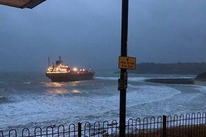 Tàu hàng Nga mắc cạn ngoài khơi bờ biển nước Anh