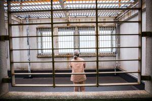 Phụ nữ Nhật Bản cao tuổi: Khi thiên đường chính là nhà tù