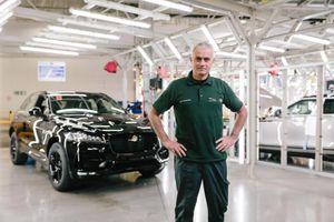 Jose Mourinho thích sưu tập xe nhưng không thích lái ở Anh