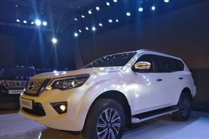 Giá từ 988 triệu, Nissan Terra có gì để đấu với Toyota Fortuner?