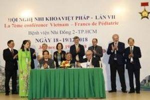 Pháp - Việt Nam hợp tác trong đào tạo bác sĩ nhi khoa