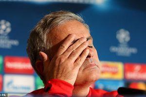HLV Jose Mourinho chia tay Man Utd