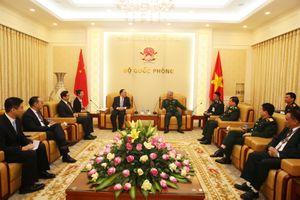 Thượng tướng Nguyễn Chí Vịnh tiếp đoàn đại biểu Ủy ban hợp tác quản lý cửa khẩu Trung Quốc