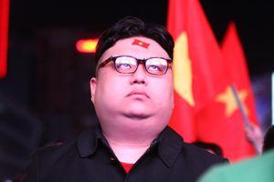 Người Hàn Quốc ngoại hình 'đặc biệt' xuống phố đi bộ Nguyễn Huệ ủng hộ Park Hang-seo