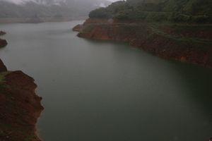 Thủy điện miền Trung - Tây Nguyên 'khát nước': Ưu tiên cung cấp đủ nước cho hạ du