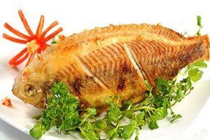 Mẹo rán cá giòn tan không dính chảo