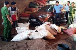 Vì sao TAND tỉnh Đắk Nông hoãn phiên tòa xét xử vụ cà phê trộn pin?