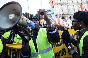 Vượt khỏi Pháp, phong trào biểu tình 'Áo vàng' xuất hiện tại nhiều nước trên thế giới