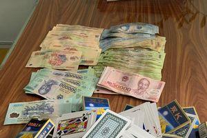 Triệt xóa sới bạc, bắt giữ đối tượng tín dụng 'đen', thu giữ gần 50 triệu đồng