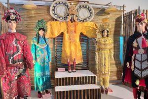 Khai mạc triển lãm Kỷ niệm 100 năm nghệ thuật sân khấu cải lương