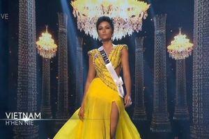 Chê bai trình tiếng Anh của đại diện Việt Nam, Hoa hậu Mỹ bị fan quốc tế rầm rộ 'réo tên' khi H'Hen Niê lọt Top 5 Miss Universe