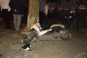 Hà Nội: Xe Lexus gây tai nạn liên hoàn, nhiều người nhập viện khẩn cấp