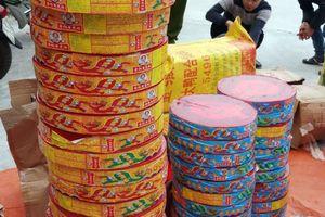 Quảng Ninh: Bắt giữ 4 đối tượng vận chuyển gần 4 tạ pháo lậu trên đường tiêu thụ