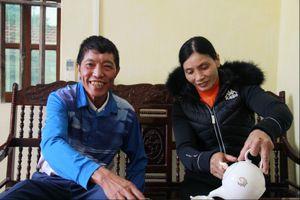Bố mẹ tuyển thủ Đoàn Văn Hậu kể chuyện con vô địch AFF Cup bố được miễn phí tiền xe ôm