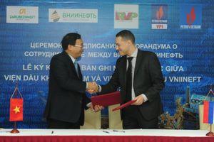 VPI và VNIINEFT hợp tác nghiên cứu nâng cao hệ số thu hồi dầu tại Việt Nam và Nga
