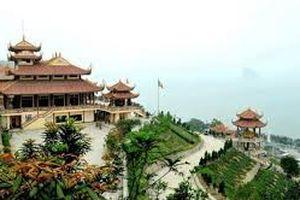 Hơn 2000 phật tử dâng hương tưởng nhớ Phật hoàng Trần Nhân Tông tại am ngọa vân