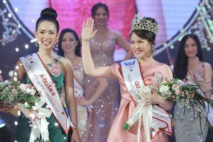 Người nhiều tuổi nhất đăng quang Người mẫu quý bà Việt Nam