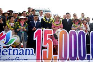Vị khách thứ 15 triệu: 'Việt Nam quá đẹp và thân thiện, khác xa với tưởng tượng của tôi'