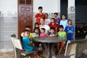 Người cha của hơn 100 đứa trẻ