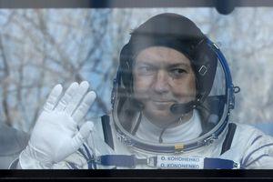 Lễ chuyển giao quyền chỉ huy trạm không gian ISS diễn ra thế nào?