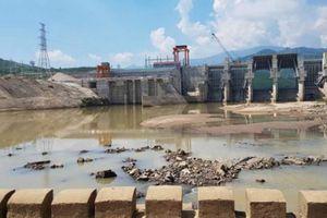 Thủy điện xả nước, người đàn ông chăn bò bị cuốn mất tích