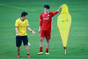 HLV Park Hang-seo bất ngờ mất 'cánh tay trái' trước thềm Asian Cup 2019