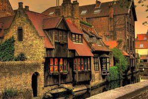 Khám phá vẻ đẹp siêu thực của thành phố Bruges, Bỉ