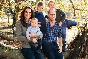 Công nương Kate dính nghi án mang con thứ 4, vỡ kế hoạch sinh sản