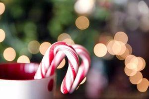 Cách làm kẹo gậy Giáng sinh cho bé thơm ngon ngây ngất