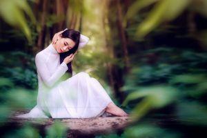 Top 10 Miss Photo Thạch Thảo thể hiện đam mê áo dài trong ảnh lịch Thảo Nữ 2019