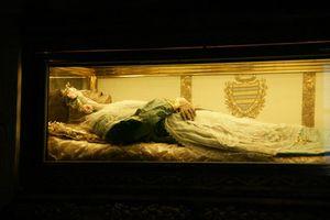 Sự thật về xác ướp thánh nữ vẹn nguyên hoàn hảo nhất thế giới