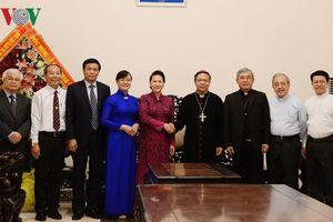 Chủ tịch Quốc hội chúc mừng Giáng sinh đồng bào công giáo TPHCM