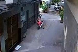 Tạm giữ hình sự thanh niên dùng ngón tay giả làm hung khí cướp xe của tài xế GrabBike tại Sài Gòn