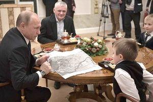 Tổng thống Putin thực hiện thêm ước mơ của bé gái đang ốm nặng