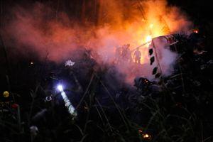 Xe bồn lao xuống vực trên đỉnh đèo Hải Vân, tài xế chết cháy trong cabin